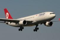 HAVA TRAFİĞİ - THY uçağına yıldırım isabet etti