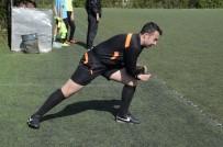 TEDAVİ SÜRECİ - 18'Lik Hakem, Futbolla Lösemi Hastalığını Yendi