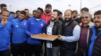 KEMAL YıLMAZ - Başpehlivanlardan Antalyaspor'a Baklava Dopingi