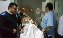 KIZ MESELESİ - Bıçaklı Saldırıya Uğrayan Ortaokul Öğrencisi Ağır Yaralandı
