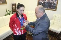 DÜNYA ŞAMPİYONU - Düzce Valisi Dağlı, Dünya Şampiyonunu Ödüllendirdi
