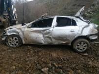 Otomobil Uçuruma Yuvarlandı Açıklaması 1 Ölü, 3 Yaralı