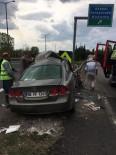 Sakarya TEM Gişelerinde Trafik Kazası Açıklaması 2 Yaralı