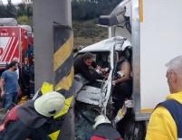 FATIH SULTAN MEHMET - TEM Otoyolunda Sıkışmalı Trafik Kazası Açıklaması 1 Yaralı