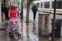 SAĞANAK YAĞIŞ - Yağmur Eskişehirlilere Zor Anlar Yaşattı