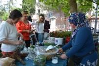 YUMURTA - Yerli Ve Yabancı Ev Hanımlarının Gelir Kapısı Oldu