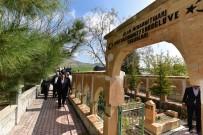 YASSıADA - Başkan Gürkan, Hamit Fendoğlu'nun Kabrini Ziyaret Ederek Dua Etti