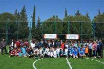 SINIF ÖĞRETMENİ - Edremit'te Karma Futbol Şöleni