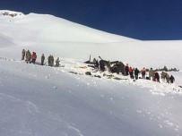 OLAY YERİ İNCELEME - Helikopter Enkazında İncelemeler Tamamlandı
