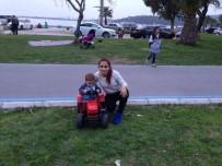 KREDI KARTı - Hırsız, piknik fotoğrafında ortaya çıktı
