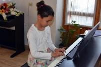 KÜLTÜR SANAT - Miniklerden 23 Nisan'a Özel Piyano Konseri