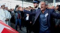 MEHMET ÖZDEMIR - Şehit Polis Mesut Özdemir'e Ağlatan Uğurlama