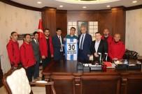 TEKERLEKLİ SANDALYE BASKETBOL - Sümbül Engeliler Spor Kulübünden Vali Toprak'a Ziyaret