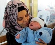 KAÇıŞ - Suriye'de Yaşadıklarından Dolayı Bebeğine 'Kader' İsmini Verdi