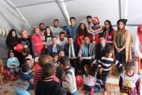 ADıYAMAN ÜNIVERSITESI - Üniversite Öğrencileri Depremzede Miniklere Moral Verdi