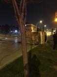 MIMARSINAN - Bursa'da Trafik Kazası Açıklaması 3 Yaralı