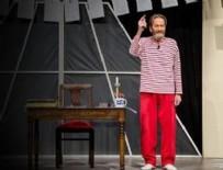ORKİNOS - Ferhan Şensoy tiyatroda hayır çağrısı yaptı