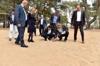 HAKAN TÜTÜNCÜ - Kirişçiler'e Kum Futbol Sahası