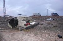 CENAZE ARACI - Otomobil Şarampole Devrildi Açıklaması 1 Ölü