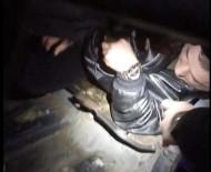 Sarp Sınır Kapısı'nda Otomobilin Gizli Bölmesinde Yakalandı