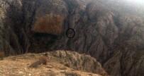 Ters Lale Toplamak İsterken Kayalıklardan Düştü