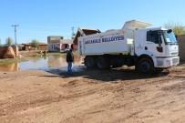ŞİDDETLİ YAĞIŞ - Akçakale'de Yağmur Suyu Biriken Alanlar Toprakla Kapatıldı