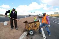 Aksaray Belediyesi, Refüj Ve Yeşillendirme Çalışmalarını Sürdürüyor
