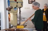 KATKI MADDESİ - Bafra'da Kadınlara Dondurmacılık Kursu