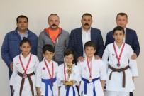 Karaman Karate Takımı Antalya'dan Madalyalarla Döndü