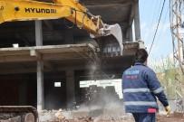 KAÇAK YAPI - Kayapınar'da Kaçak Yapılar Yıkılıyor