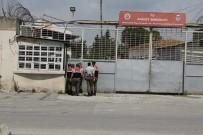 GÖZ YAŞARTICI GAZ - Mersin'deki Cezaevinde Çıkan Arbedede 3 İnfaz Koruma Memuru Yaralandı