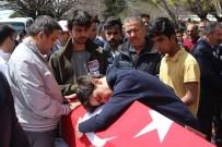 CUMHURİYET MEYDANI - Şehit Demir'in Oğlu Mustafa Emir Açıklaması 'Ben Göreve Gitme Demiştim'