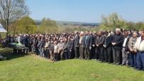 SINOP ÜNIVERSITESI - Sinop'ta Kazada Ölen Genç Toprağa Verildi