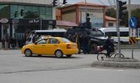 BOMBA İMHA UZMANI - Tatvan'da Şüpheli Paket Paniği