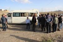 MİNİBÜS ŞOFÖRÜ - Yolcu Minibüsü Kaza Yaptı Açıklaması 8 Yaralı