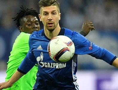 Ajax Schalke 04'e kaybetti,turu kazandı