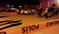 CENAZE ARACI - Aracının İçinde Kalaşnikofla Öldürüldü