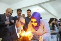 ÇALıŞMA VE SOSYAL GÜVENLIK BAKANLıĞı - Başkan Özakcan, Ilıcabaşı Mahallesi'nde Mandrel Boncuk Tezgahının Başına Geçti