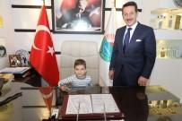 ANAOKULU ÖĞRENCİSİ - Başkan Tok, Koltuğunu Minik Çınar'a Devretti