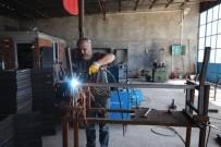 FABRIKA - Beyşehir'de Yeni Dizayn Kamelya Üretimi