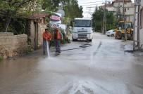Bilecik Belediyesi Ekipleri Cadde Ve Sokakları Temizlenerek Yıkanıyor