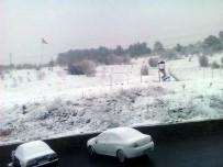 Bolu'da, Nisan Ayında Kar Yağışı Devam Ediyor