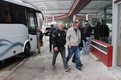 Gözaltındaki 28 FETÖ Şüphelisi Sağlık Kontrolünden Geçirildi