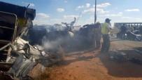 TWITTER - Güney Afrika'da Otobüs Kazası Açıklaması 20 Öğrenci Ölü