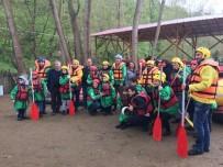 SOSYAL YARDIM - Hollandalı 23 Nisan Çocukları Düzce'de Rafting Yaptı