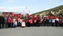 SOSYAL SORUMLULUK PROJESİ - Jandarma'dan Çocuklara 5 Yıldızlı 23 Nisan Hediyesi