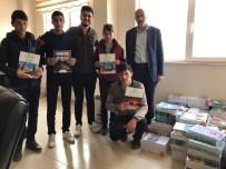 BALCı - Kitap Satarak Öğrencilere Kitap Alıyorlar