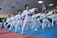 MILLI TAKıM - Taekwondo İle Büyüyüp Geleceklerine Yön Veriyorlar