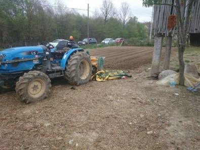 Sakarya'da kolunu tarım makinesine kaptıran adam hayatını kaybetti