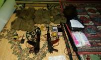 KİMLİK KARTI - Silvan'da Camiye Gizlenmiş Silah Ve Mühimmat Ele Geçirildi